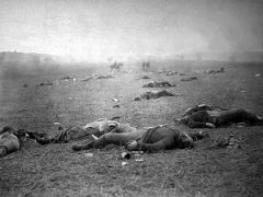 Dead Union soldiers at the Battle of Gettysburg
