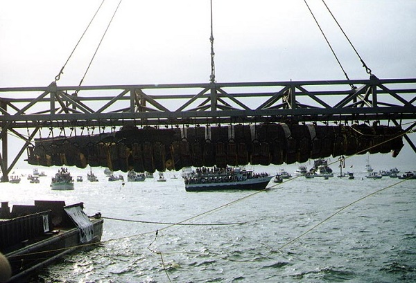 Recovery of the H.L. Hunley in 2000